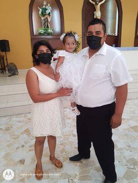 Leilani Hanae recibe su primer sacramento