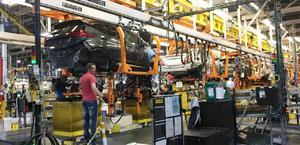 GM detendrá producción en 8 plantas por falta de semiconductores