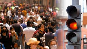 México le dice adiós al rojo y se pinta de naranja y amarillo