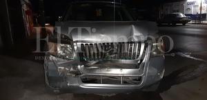 Dama al volante se distrae y choca en Monclova