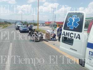 Vehículo fantasma derriba a jinete de caballo de acero en San Buenaventura