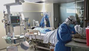 La AMIS reporta más muertes por COVID-19 en hombres