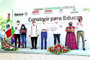 Iberdrola México inaugura tres de las 50 escuelas  que hará en Oaxaca