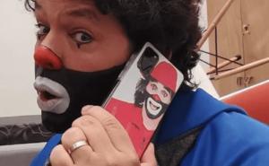 Hijo de 'Cepillín' hace público que recibe amenazas de muerte de misterioso acosador