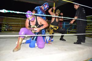 Espectacular función de lucha libre en Deportivo Hipódromo