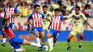 América somete a Chivas en clásico amistoso