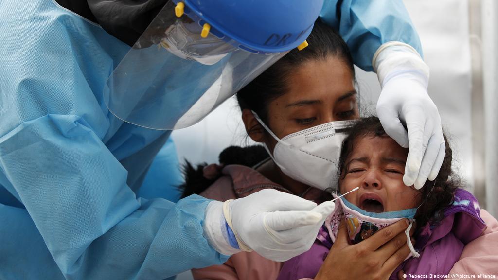 En EU se disparan hospitalizaciones de menores por COVID-19