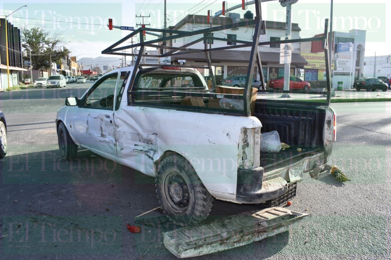 Choque de dos camionetas en Monclova deja a dos personas lesionadas