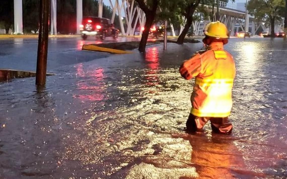 Lluvia golpea a la ciudad de Puebla