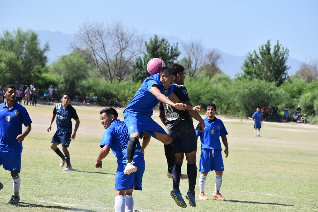 Titanes golea a los Lobos en la liga intermunicipal de fútbol de Ciudad Frontera