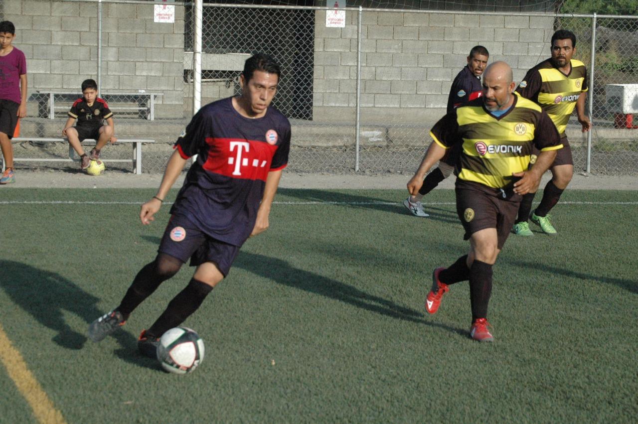 Jalisco golea a la Borja dentro de la Liga de Fútbol City Master