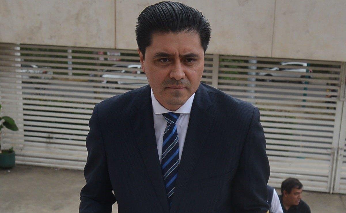 Diputado Castán, 'impedido para ejercer sus derechos políticos'