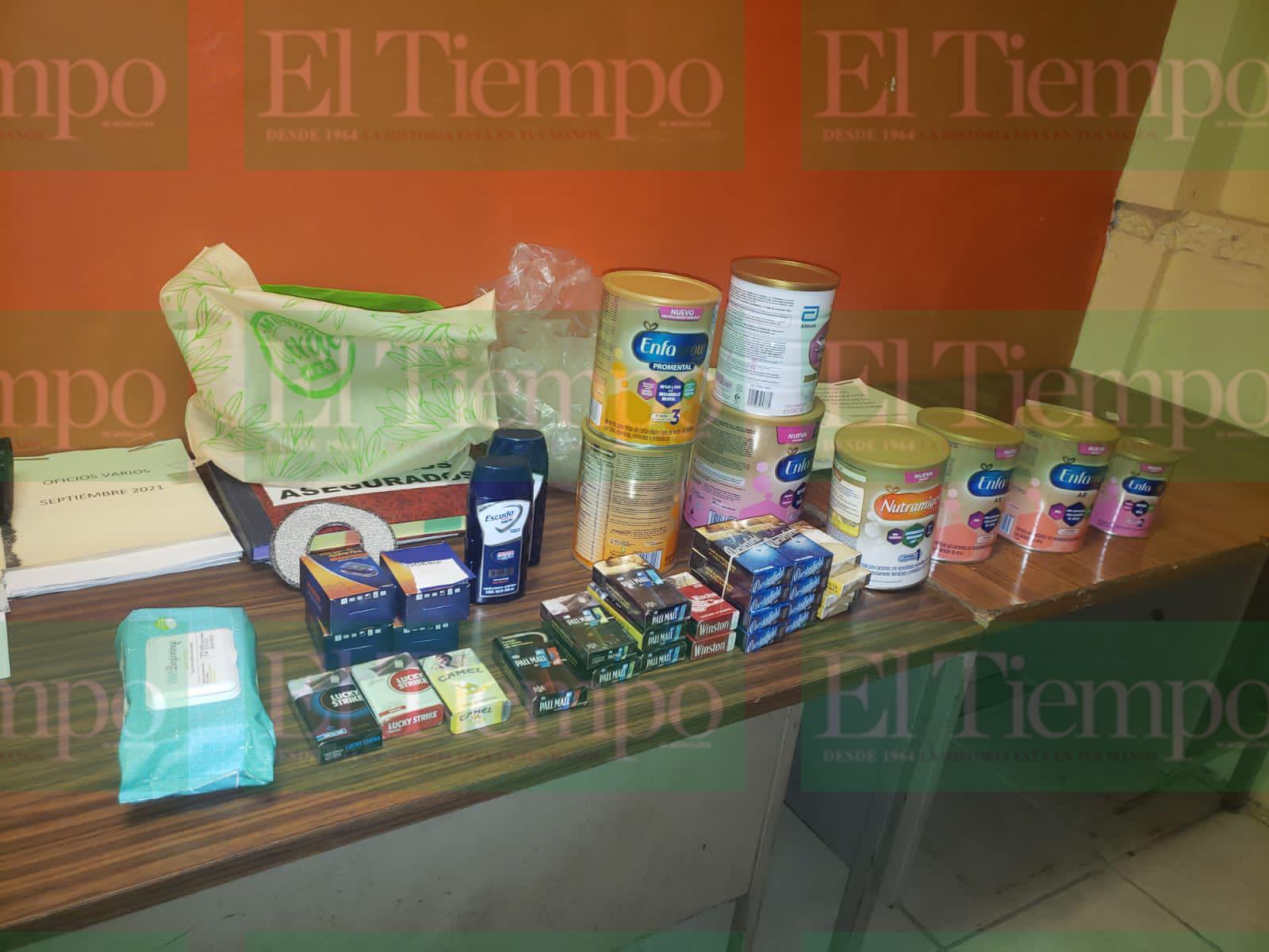 Autoridades sorprenden a ladrón al interior de farmacia en Monclova