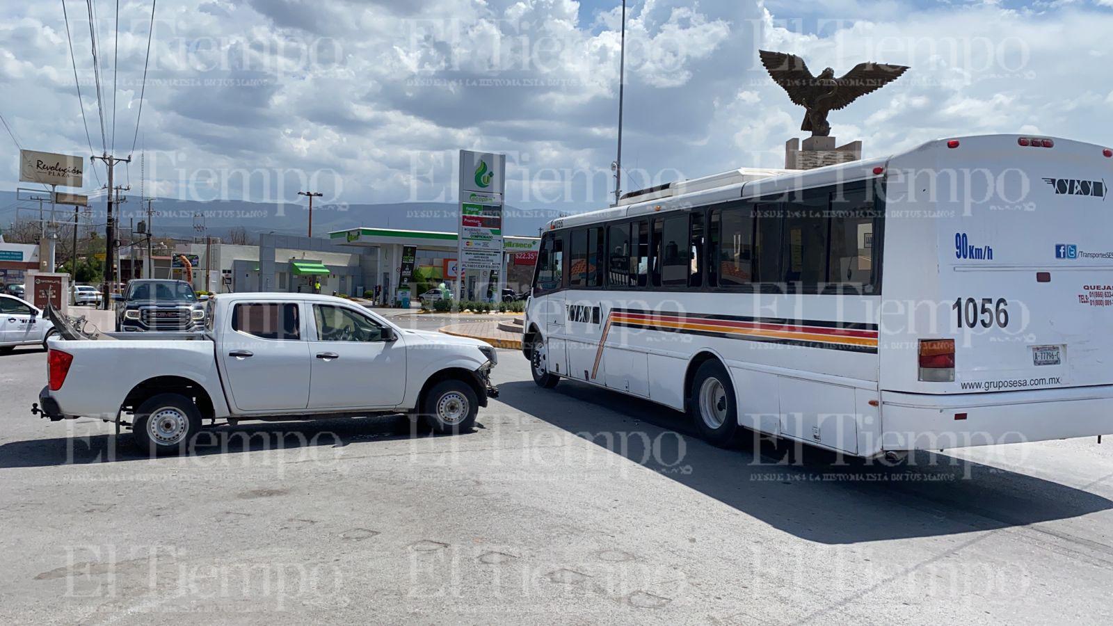 Automovilista no cede el paso y choca en Monclova