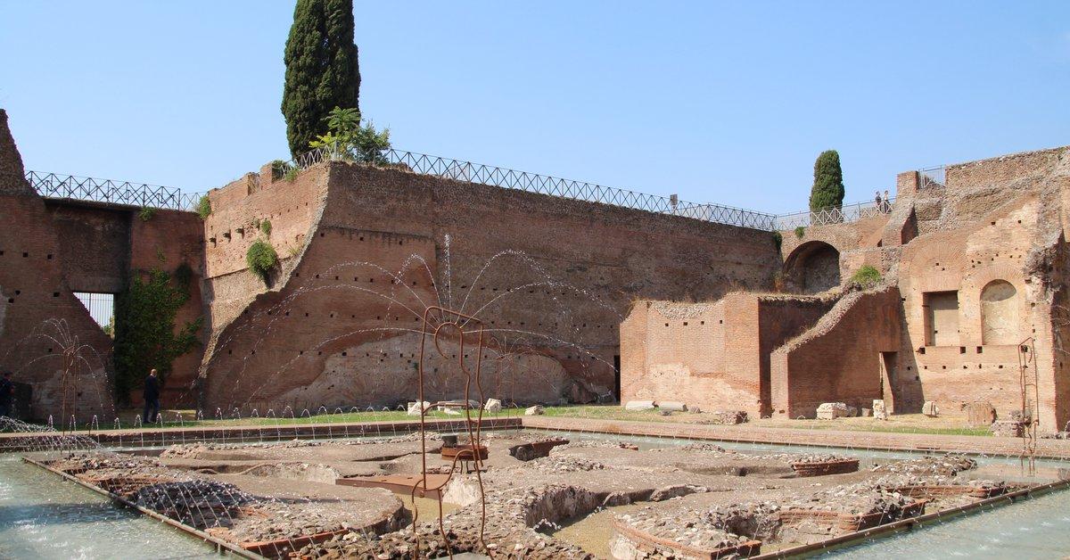 El agua vuelve a correr en la Fuente de las Peltas, en el Palatino romano