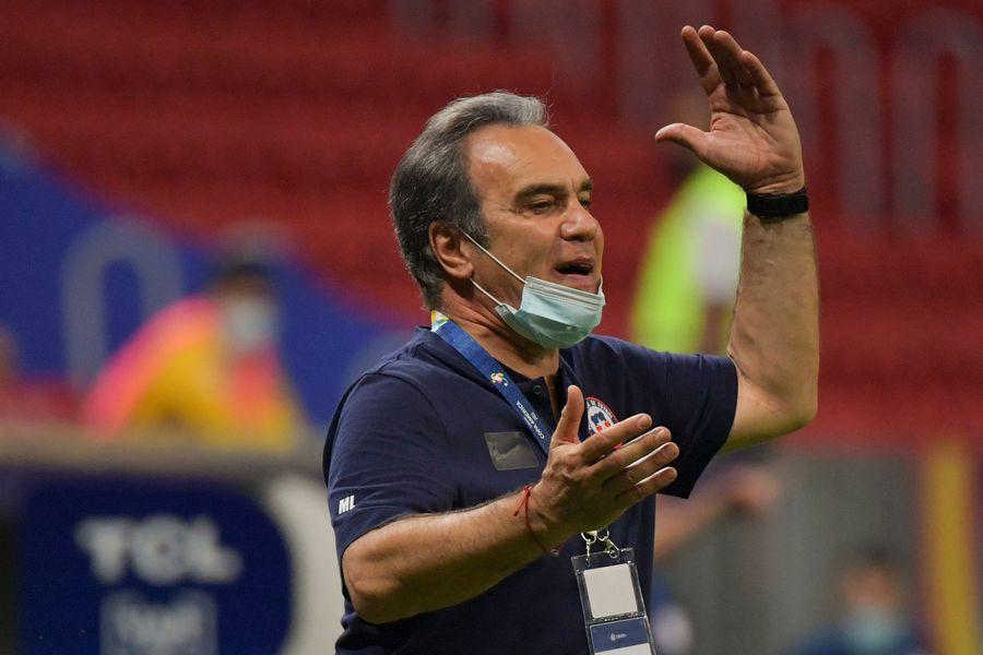 Lasarte no descarta situar a Vidal como delantero centro ante Colombia