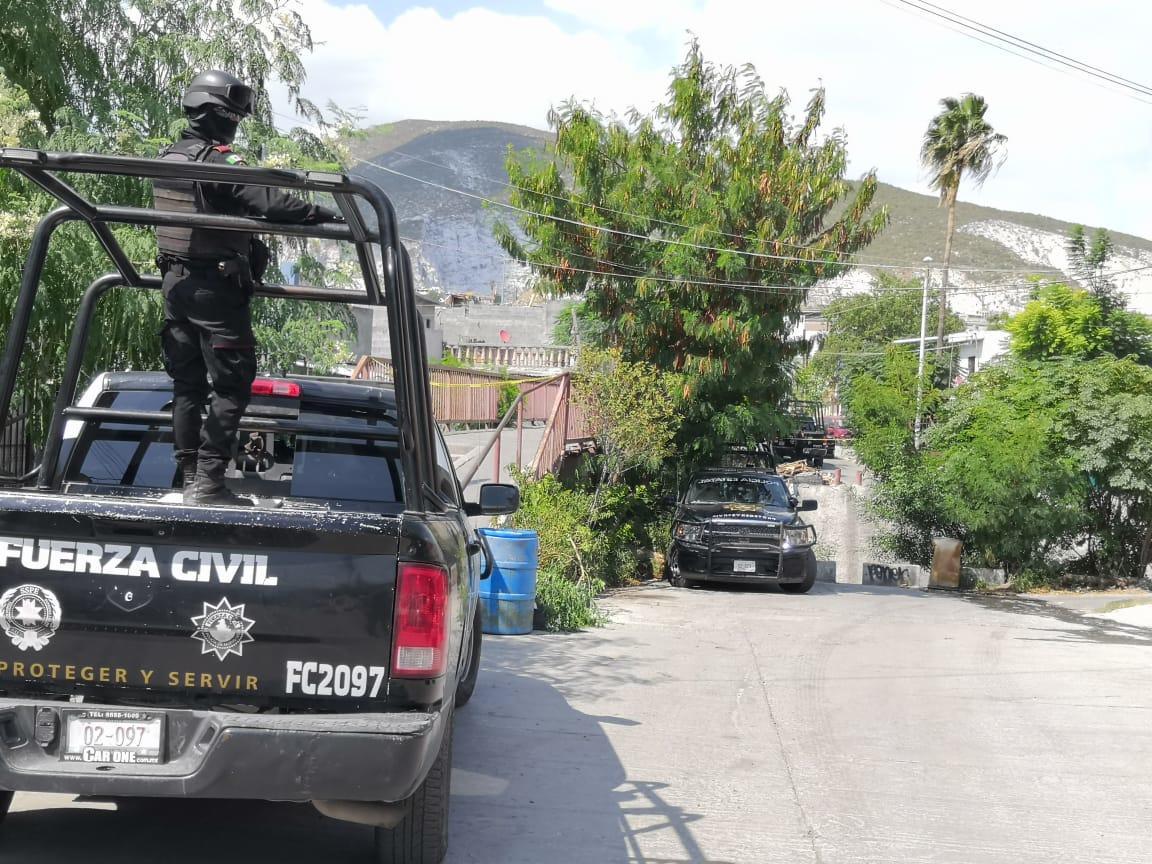 Un hombre es asesinado afuera de su casa en Monterrey