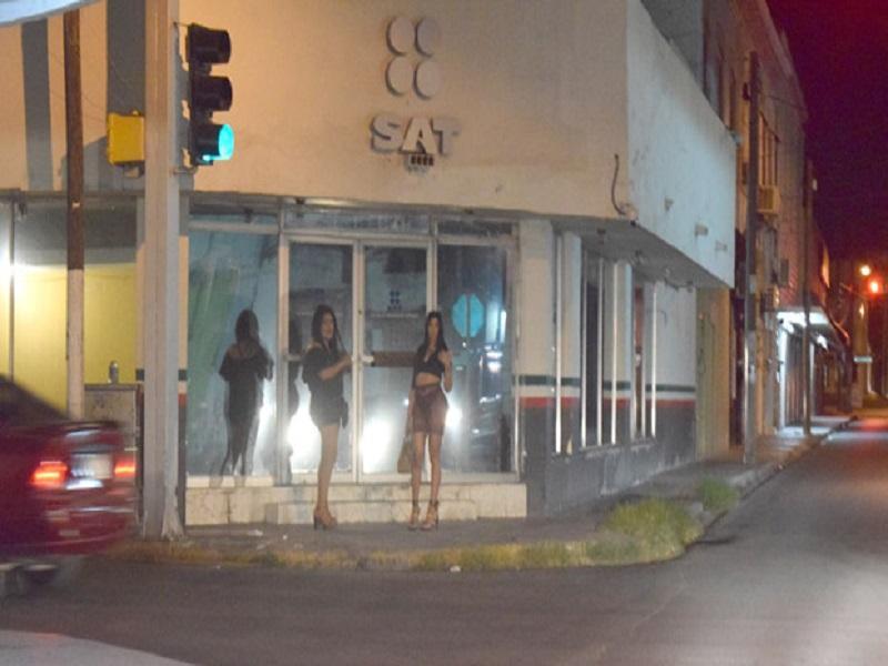 Migrantes ya no solo mendigan para obtener un peso; también se están prostituyendo en Piedras Negras