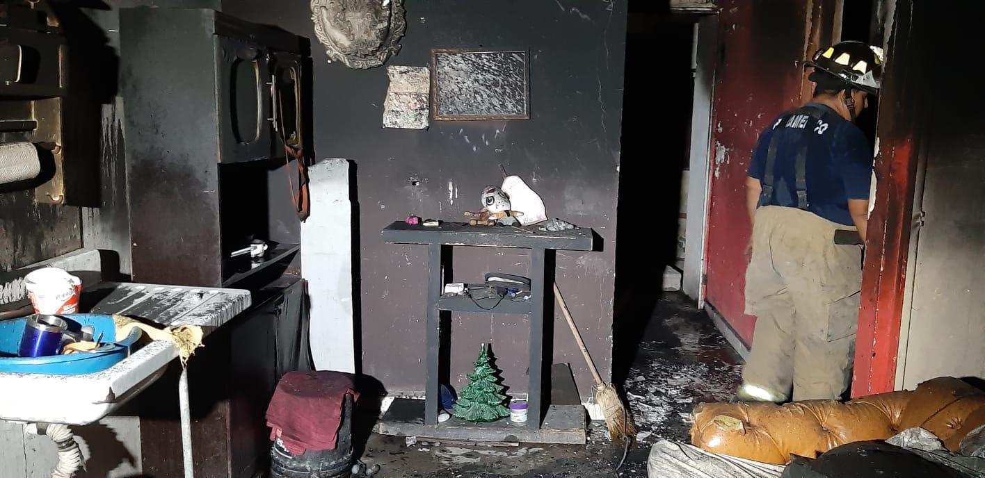 Fuego consumetodo a su pasoen casa habitación de Monclova