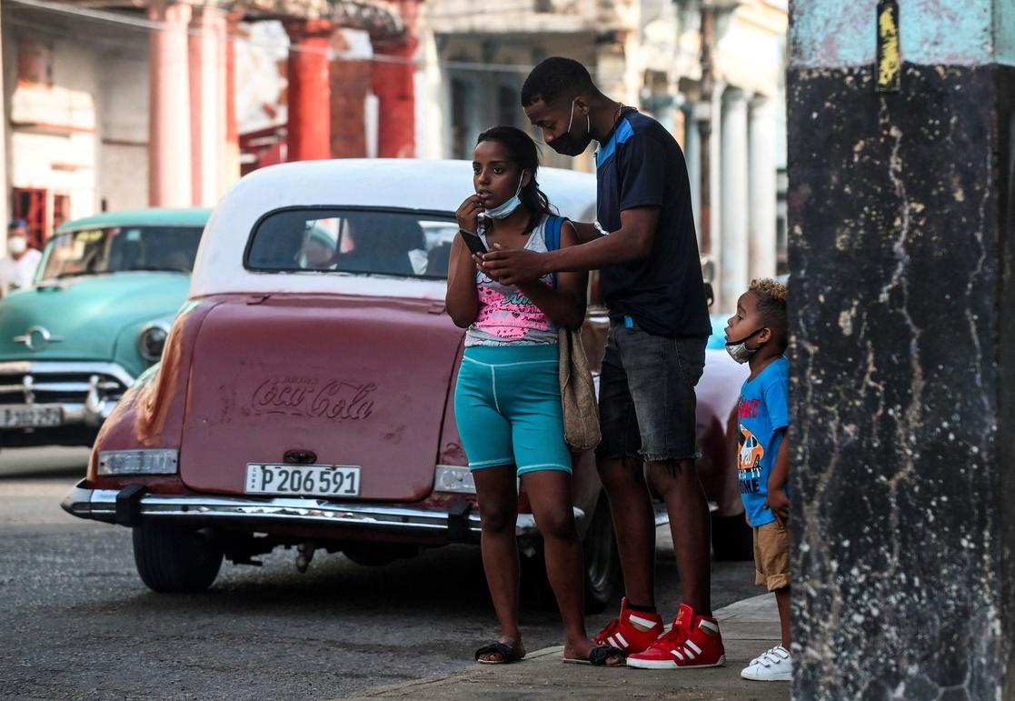Registran aumento en un día de 8.394 casos de COVID-19 en Cuba