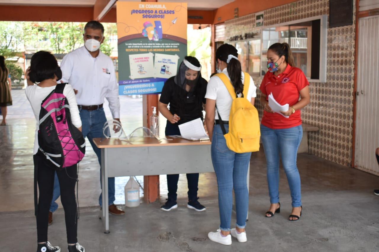 Alumnos de secundaria #1 de Monclova ya están fuera de peligro