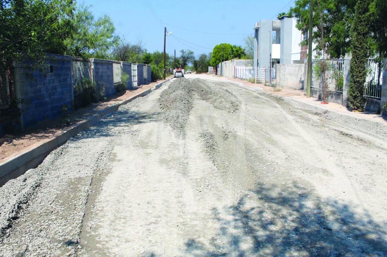 """""""San Buena"""" pavimenta calles de la Lindavista"""