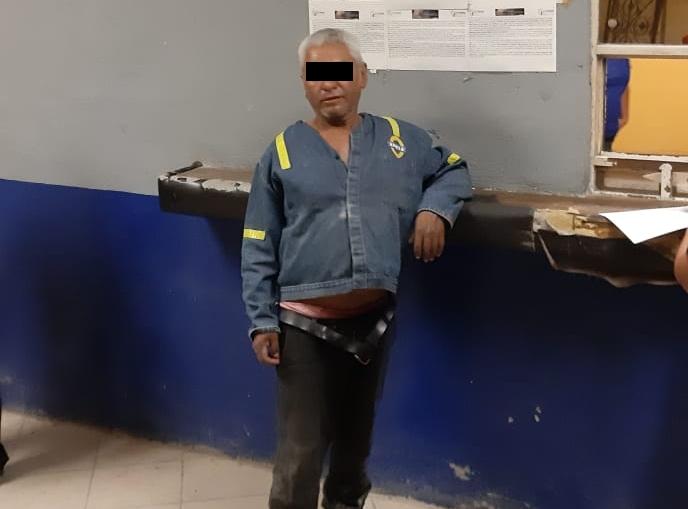 Se pasea gratis en taxi por Monclova y se niega a pagar