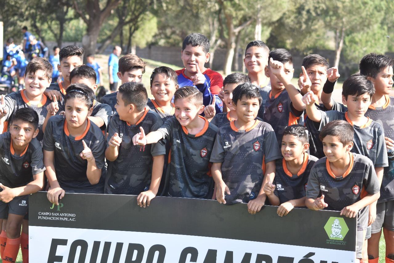 El Club Calor es campeón en la infantil del fútbol Xochipilli