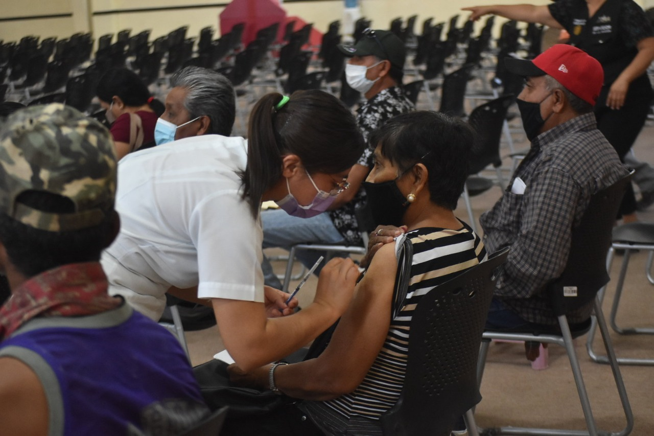 Llegan 4 mil dosis de vacunas anti-COVID-19 de Pfizer a Monclova