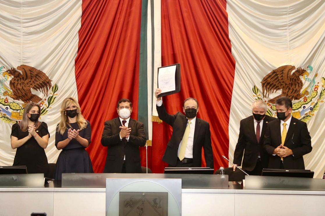 Alfonso Durazo rinde protesta como gobernador de Sonora