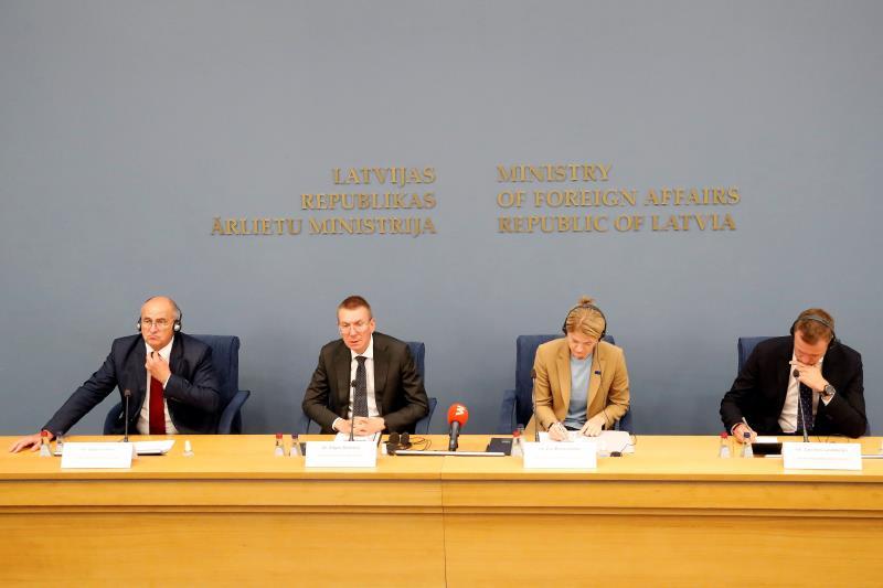 Ministros bálticos y polaco abordan situación en fronteras con Bielorrusia