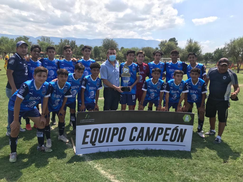 Un campeonato más para Rayados en la liga de fútbol del parque Xochipilli