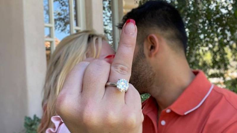 ¿Quién es Sam Asghari, el hombre con quien se comprometió Britney Spears?