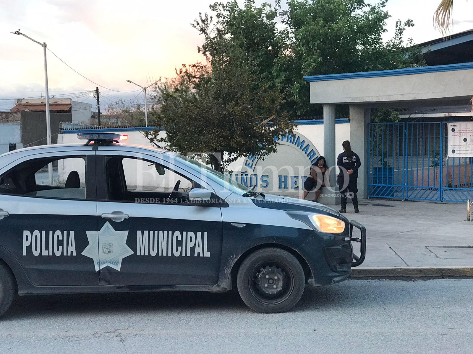 Los policías de Monclova patrullan en chatarras