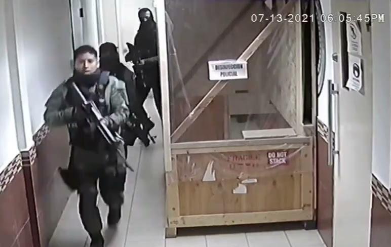 VIDEO: Rescatan al narcotraficante 'El Calamardo', líder de 'Los Metros', en la Fiscalía de Tamaulipas