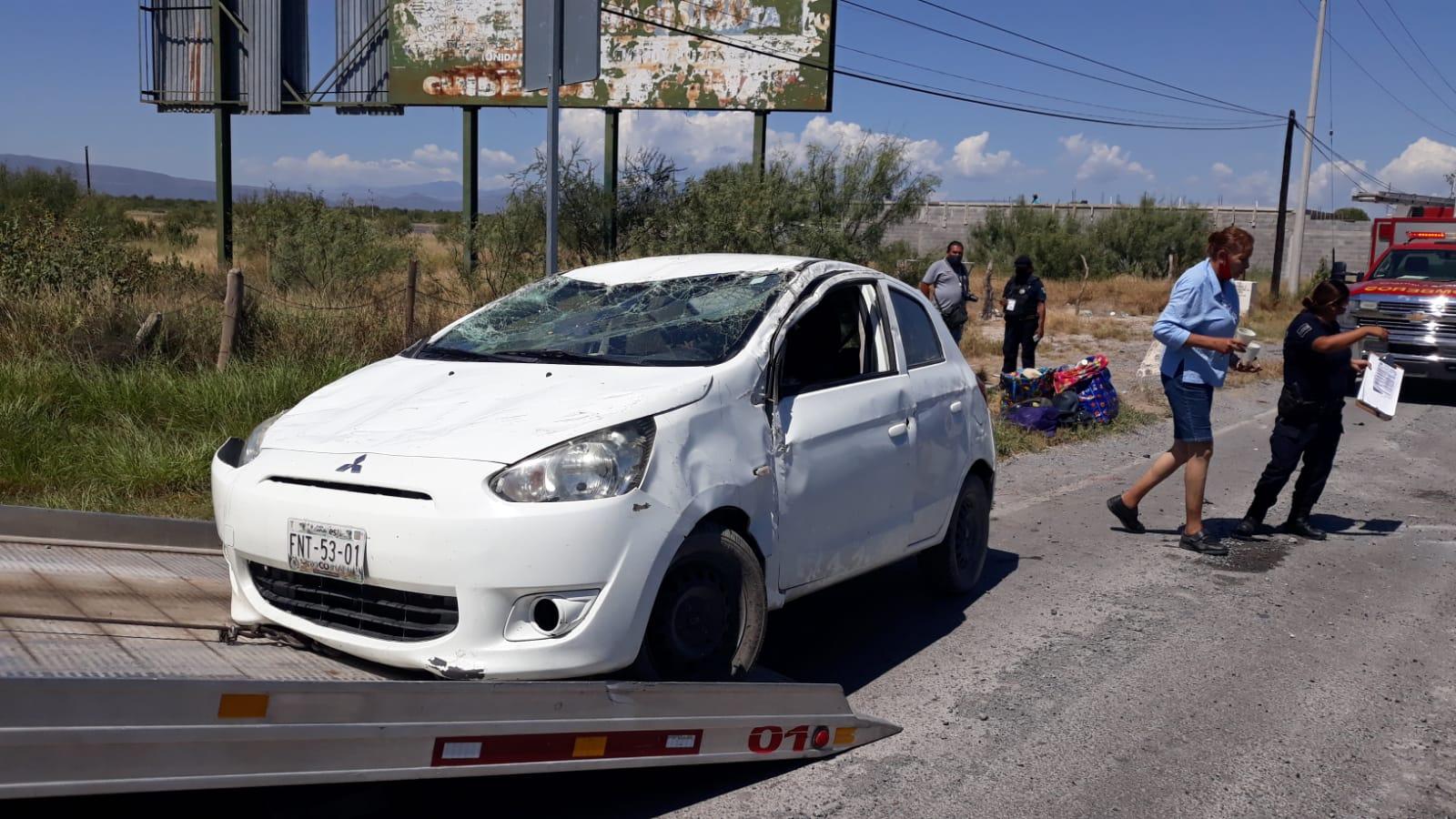 Vuelca automóvil sobre la carretera 30 antes de San Buenaventura