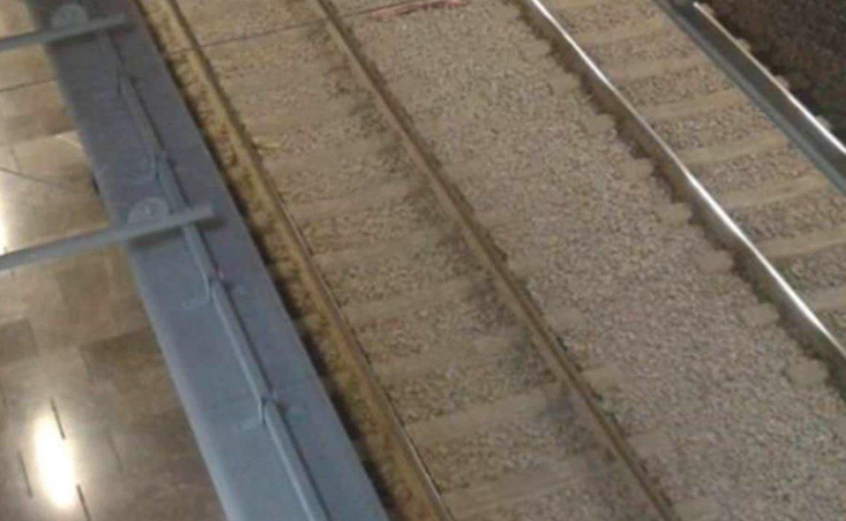 Muere una persona tras lanzarse a vías del Metro Centro Médico