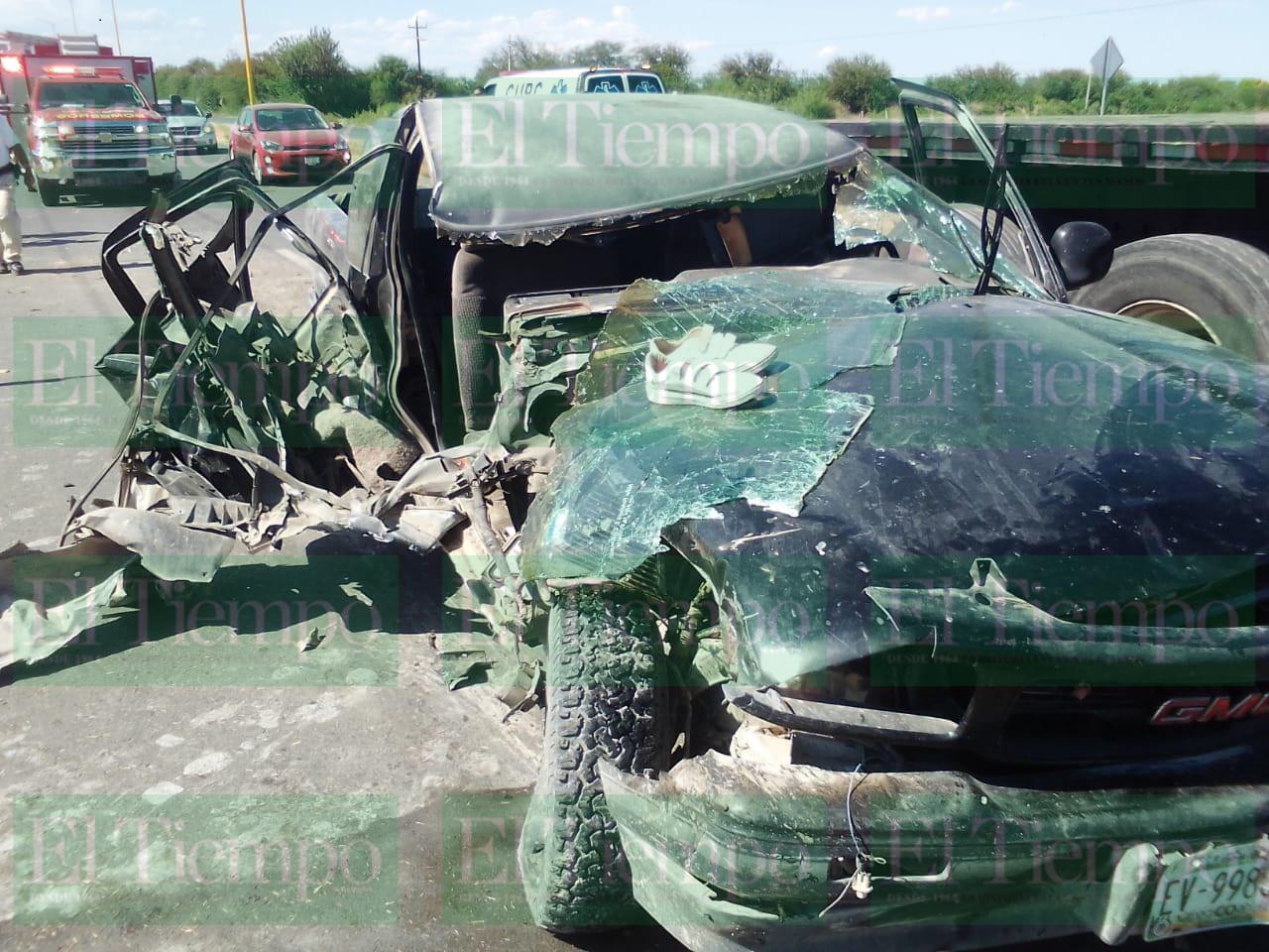 Mujer embarazada sufre aparatoso accidente automovilístico en Ejido 8 de enero