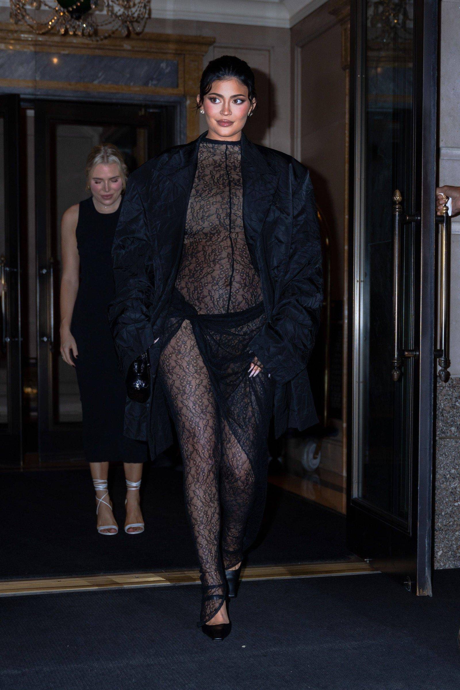 Kylie Jenner planeaba revelar el sexo de su bebé en la MET Gala