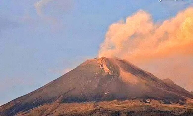 Captan explosión de volcán Popocatépetl; continúa en Amarillo Fase2