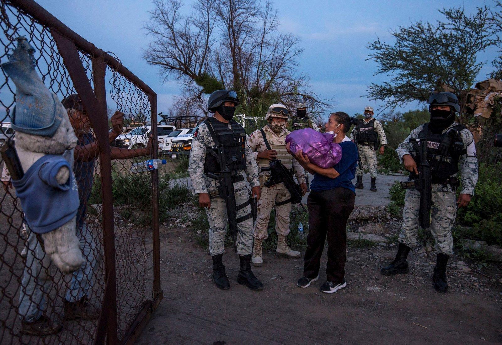 Senado pide investigar trabajo de menores en minas de Coahuila