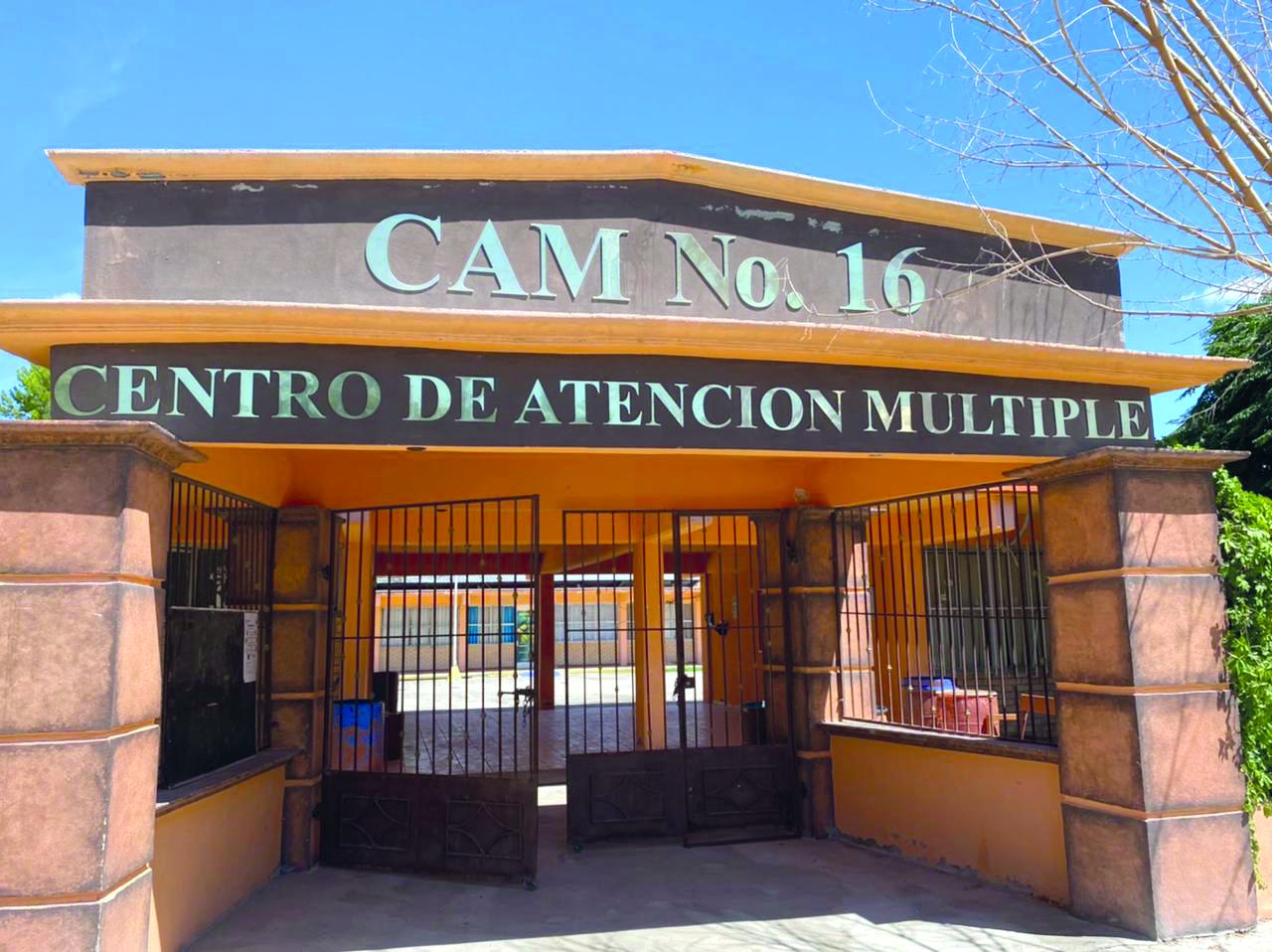 Tareas de limpieza en el CAM 16 por el retorno a clases en San Buenaventura