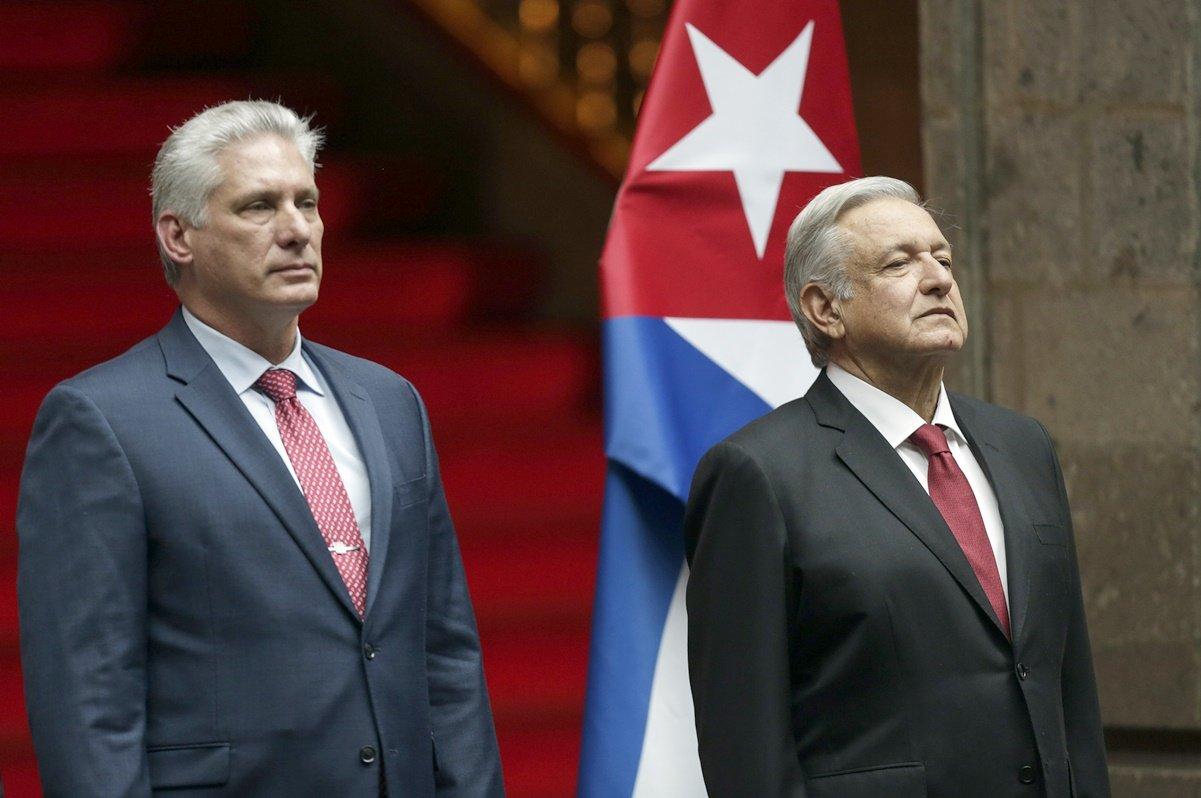 Llega Presidente de Cuba a México para conmemoración de Independencia