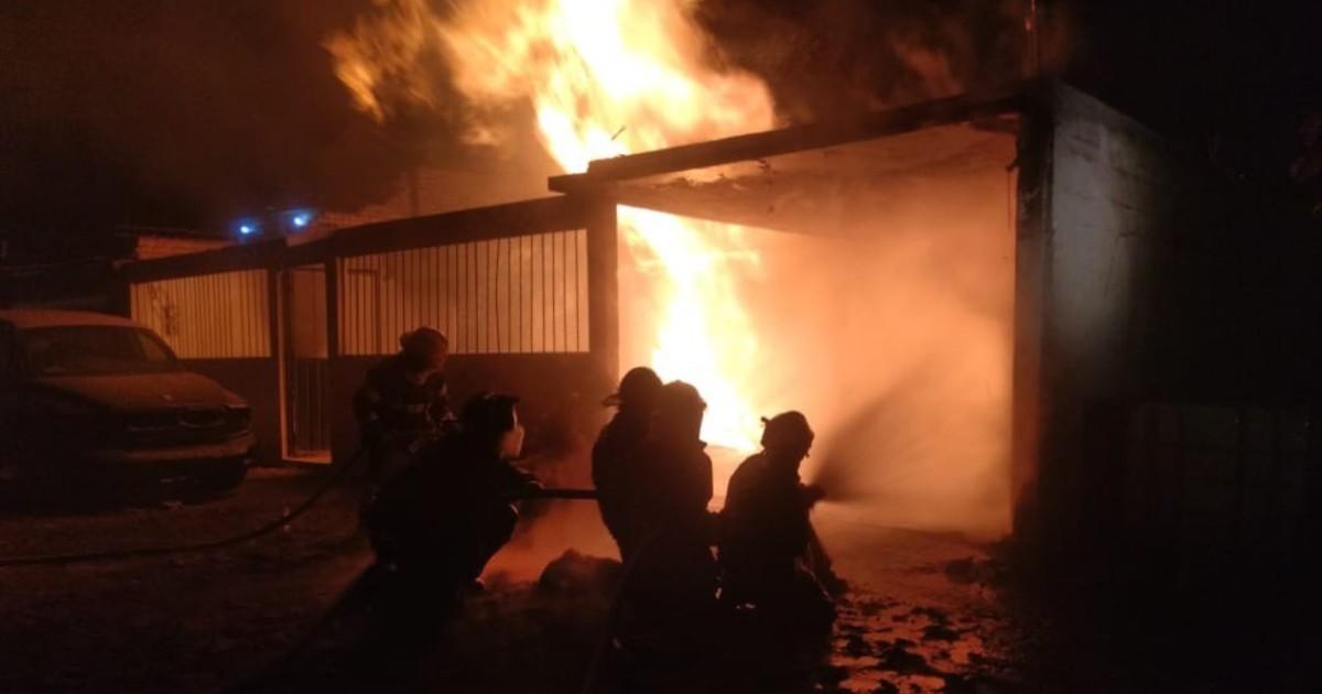 Se registra incendio en toma clandestina en Edomex