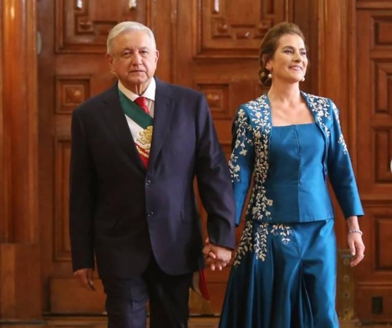 Ya sabemos quién le hizo a Beatriz Gutiérrez su vestido para la noche del Grito
