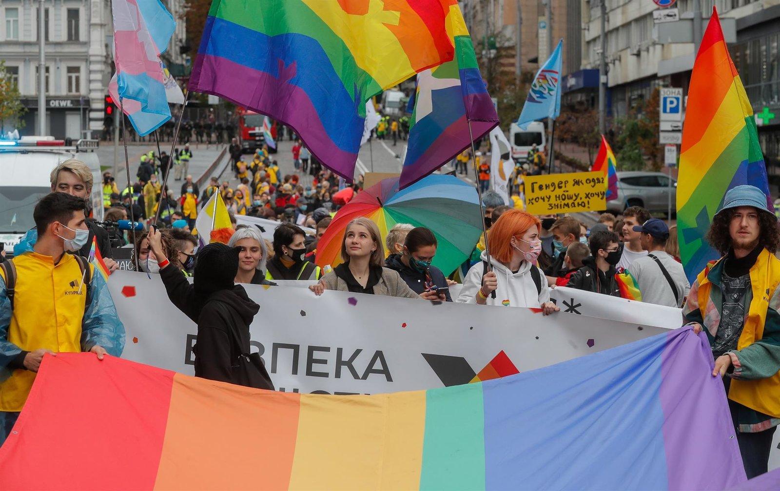Unas 7,000 personas LGBT marchan en Kiev por la igualdad de derechos