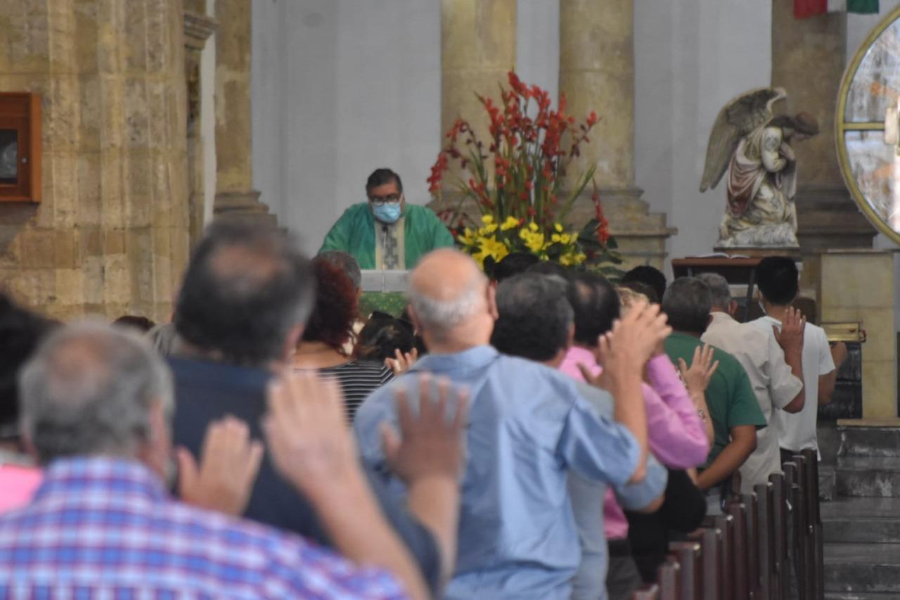Personas vulnerables no reciben apoyos necesarios: Padre Neri