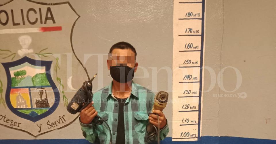 Elementos policiacos detienen a ladrones en Monclova