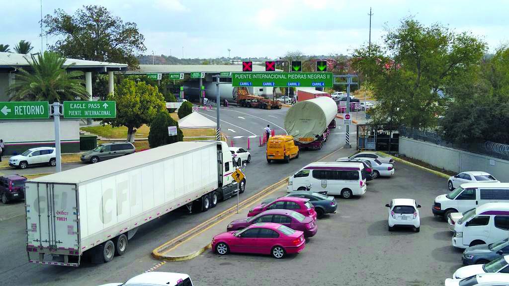 Cierran paso al transporte comercial en Acuña