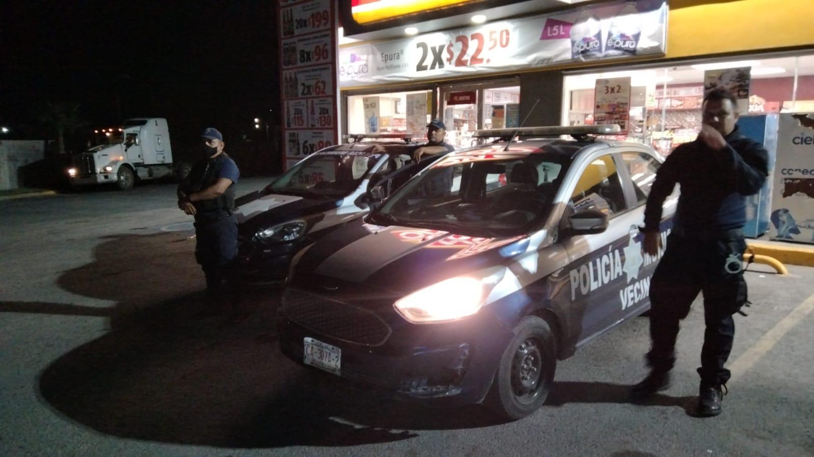 Desconocidos lapidan negocio y roban en Monclova
